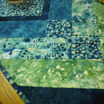 Blue and Green Quilted Table Runner, beach cottage table decor, sea glass quilted topper, green beach glass decor, quilted table mat blue