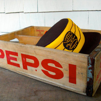 Vintage Crate, Pepsi Crate, Pepsi Collectibles, Wood Storage Box, Red, Pepsi-Cola, Davenport, Rock Island