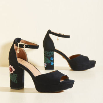 A Bloom for Two Heel in Black | Mod Retro Vintage Heels | ModCloth.com