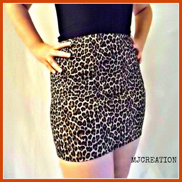 SKIRT vinyl and knit leopard very nice fabric  medium large