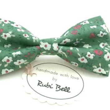 Bow Tie - floral bow tie - wedding bow tie - green bow tie withwhite and pink flower pattern - man bow tie - men bow tie - gifts for him