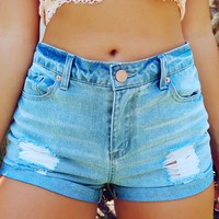 Everyday Look Shorts: Denim