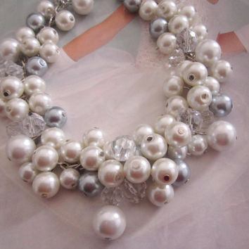 Ivory and Gray Bridesmaid Necklace, Pearl Bridal Necklace, Bridesmaid Pearl Necklace, Chunky Cluster Necklace