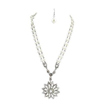 Vintage Design Crystal Flower Pendant with White Imitation Pearl Rosary Style Necklace