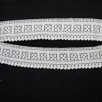Off White, Crocheted Lace, Edging Lace, Trim, Cotton, Wedding, Doll making, dressmaking, haberdashery, Millinery, craft, 00426