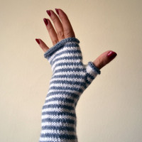 Striped Gray and White Fingerless Gloves - Striped Gloves - Gray Wool gloves - Minimalist Style - Fall Accessories - Trending Items nO 145.