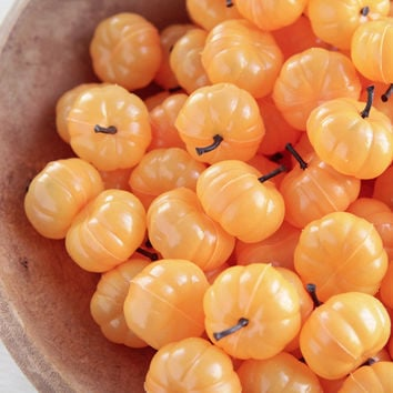 Miniature Plastic Pumpkins - 6 Cute Pumpkins for Halloween and Fall Crafts