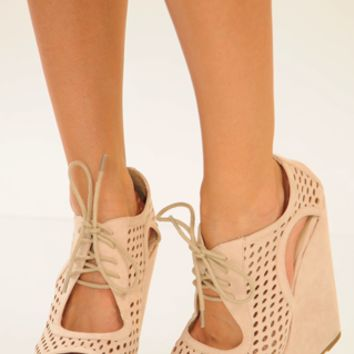 Take The Lead Wedges: Cream | Hope's