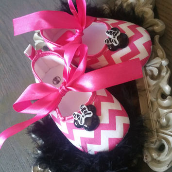 Pink Minnie Mouse Shoes, Pink Ballerina Shoes, pink Baby Shoes, baby shoes, baby girl crib shoes, chevron baby shoes, wedding, Ready to ship
