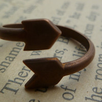 Arrow ring vintage by littlepancakes on Etsy