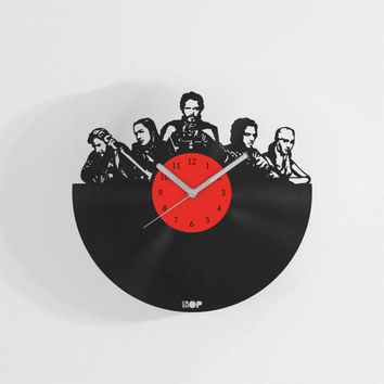 Game of Thrones series wall clock from upcycled vinyl record (LP) | Hand-made gift for GOT fan, lover | Home wall decoration, present