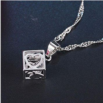 DCCK7G2 YVLAH 2017 New Product That Hot Style Simple Magic Cube Pendant Necklace Women XL17