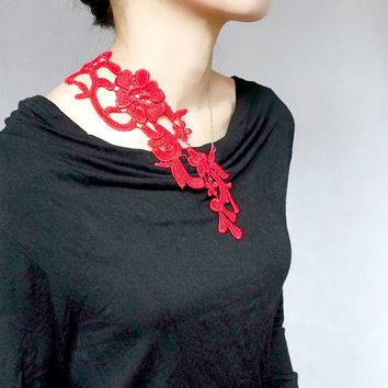 red lace bib necklace - vintage retro art deco gold necklace - punk floral flowers jewelry