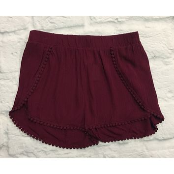 Intricate Details Shorts: Burgundy