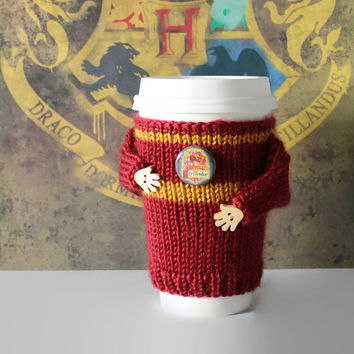 Harry Potter coffee cozy. Gryffindor travel mug sleeve. Witchcraft Wizardry school alumni. Hogwarts cup cozy. Gryffindor sweater. Teen gift