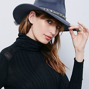'ale by Alessandra Womens Roxy Dene Distressed Felt Hat