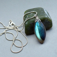 Blue flash gemstone Labradorite pendant with silver plated bail and necklace