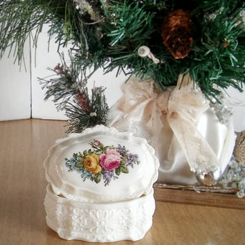 Vintage Bisque Porcelain Trinket Box 50s, Porcelain Oval Trinket Box Floral Design