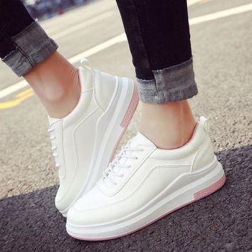 2017 new spring breathable white shoes female Korean version of the thick casual shoes female students loose cake shoes