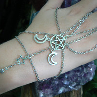 pentagram slave bracelet Triple moon hand chain fantasy hand flowernew age chakra boho Wicca wiccan witch magic hipster style