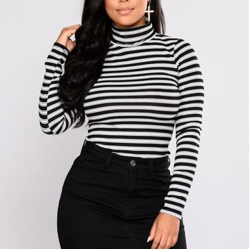 Not Replaceable Turtleneck Top - Black/White