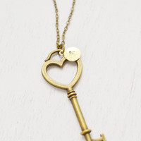 personalized heart key necklace,handstamped jewelry,long key necklace,bridesmaid gift,customized initial necklace,large key pendant,sisters