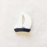 Vintage Novelty Brooch ~ Sailboat ~ Plastic Jewelry ~ Nautical Pin