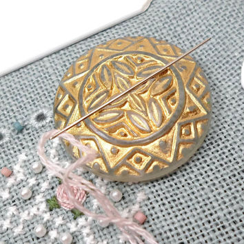 White Gold Needle Minder Needle Magnet Cross Stitch Needlepoint Needle Keeper Ornate Magnetic Needle Minder
