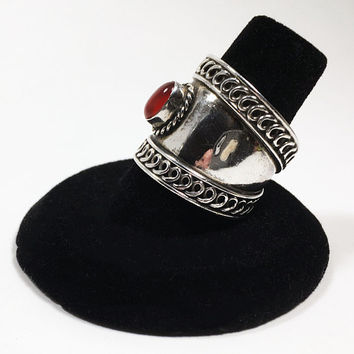 Sterling Ring with Red Stone Vintage Southwest Style Oval Stone with Rope Border US Size 8.25 Boho with Wrap Around Side Panels Southwestern