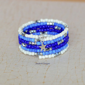 Blue ombre memory wire bracelet, Memory wire bracelet, Memory wire jewelry, Charm bracelet, Ombre bracelet, Blue bracelet,Seed bead bracelet