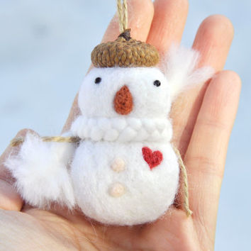 Valentines day decoration snowman ornament,needle felted snowman ornament with heart, Felt ornament, valentine ornament, valentine gift
