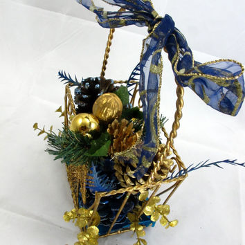 Glitter Pine Cones Dry Flower Arrangement for Christmas/Hanukkah