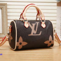 Louis vuitton's stylish women's coffee-printed shoulder bag is a big seller of shopping bag Apricot