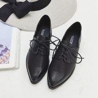 Pointy-Toe Lace-Up Shoes