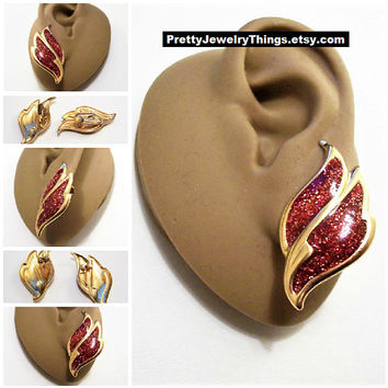 Avon Red Flame Glitter Clip On or Pierced Earrings Gold Tone Vintage 1980s Firery Sparkle Swirl Band Discs Surgical Steel Post