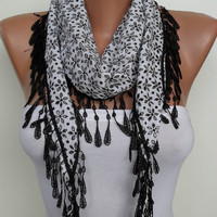 Black and White Shawl / Scarf with Lace Edge by SwedishShop