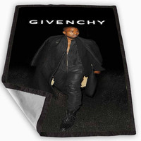 Kanye West Givenchy Blanket for Kids Blanket, Fleece Blanket Cute and Awesome Blanket for your bedding, Blanket fleece *