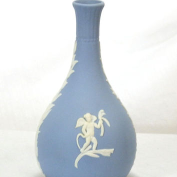 Vintage Wedgwood Jasperware Cream On Blue Cupid Seasons Bud Vase
