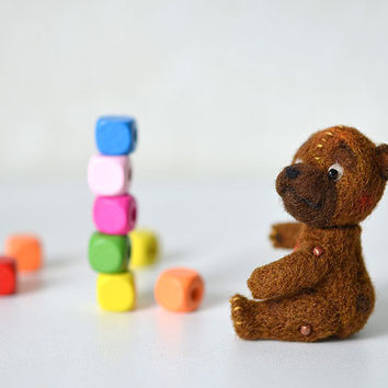 Needle felted tiny brown bear. Little felt animal. Funny cute baby bear. Sweet gift. Dollhouse toy.