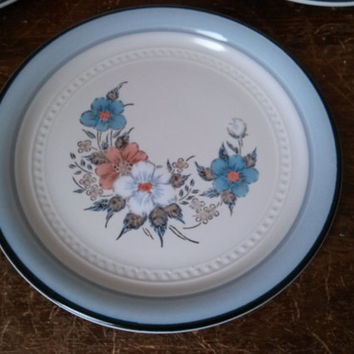 Vintage Stoneware - Made in Japan 5 Salad Plates Crowning Fashion Blue Bouquet