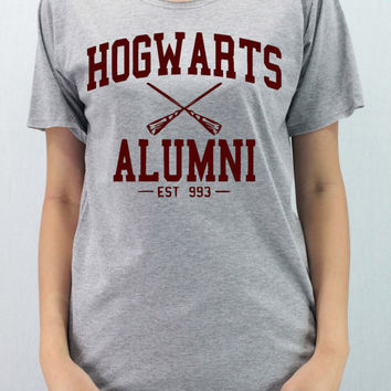 Maroon Hogwarts Alumni  - Unisex Softly/Lightly Shirt T-Shirt TShirt Tee Shirt Gray Top
