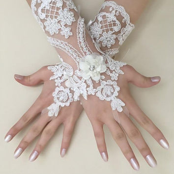 EXPRESS SHIPPING Ivory lace gloves wedding bridal gloves 3D flowers lace  wedding gloves, lace glove, prom party