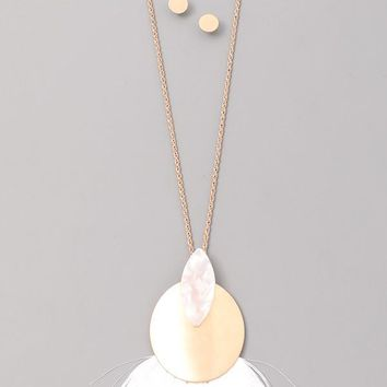 White & Gold Fan Fringe Pendant Necklace & Earrings Set