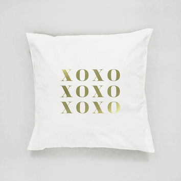 XO Pillow, Gold XO Pillow, Home Decor, XOXO, Cushion Cover, Throw Pillow, Bedroom Decor, Modern Pillow, Bed Pillow, Gold Pillow, Gold Decor