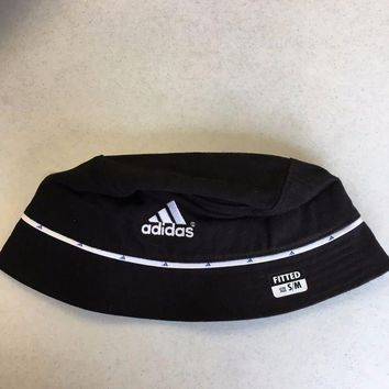 ESBONC. BRAND NEW ADIDAS WOMEN'S BLACK WITH WHITE BUCKET HAT SM/MED SHIPPING