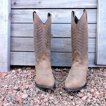 Diamond J cowboy boots /  Womens Justin Boots  7 / EU 37.5 / light brown cowgirl boots / leather western boots