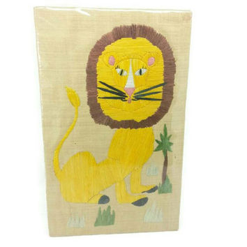 1960's Lion Raffia on Burlap Wall Hanging,Vintage Nursery Wall Art, Large Wall Decor, Kids Room Decor, Lion Nursery,Gift Idea,Leo,Lion Decor