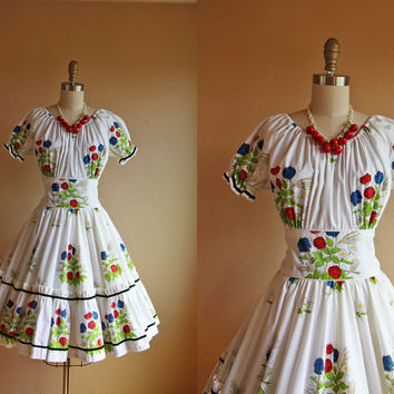 1960s Dress - Vintage 50s 60s Dress - Poppy Print Shelf Bust Cotton Circle Dance Skirt M - Lime Tree Arbor