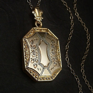Antique LOCKET Gold Filled Double-Sided Scrollwork Flower Engravings Photographs Signed WH & Hallmark CHAIN