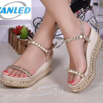 Hot sales women sandal shoes 2017 new summer shoes fashion sandals rivet straw braid wedges shoes woman platform wedges sandals